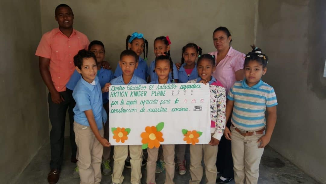 Coffee plantation donating the school kitchen